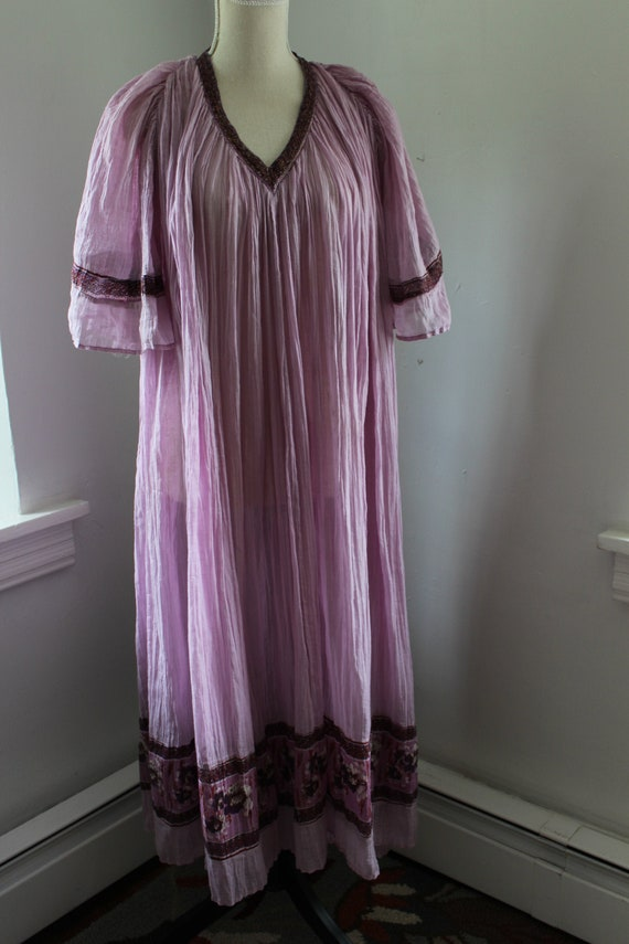 70s Indian Cotton Lavender Purple Kaftan Dress Ang