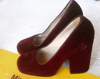 90s Maroon Coloured Velvet Heels