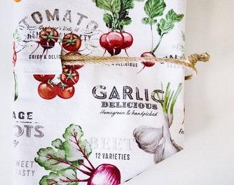 Bread Bag, Round, Boule, Reusable, Garden Veggies print