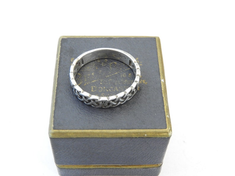 UK R Vintage Arts and crafts band ring sterling silver US 8.75 925