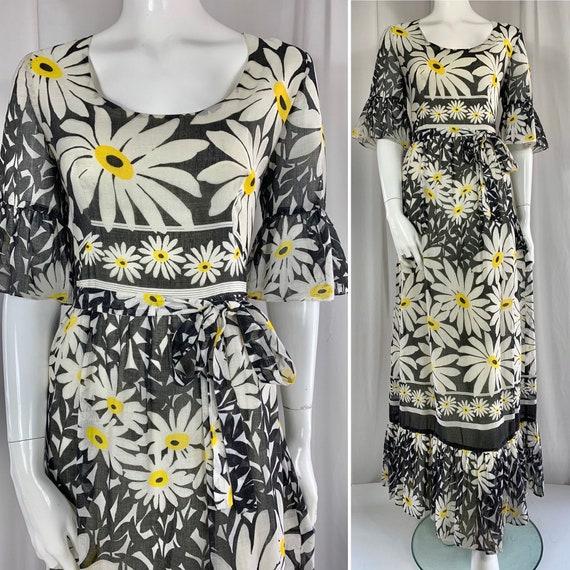 1970's Abstract Daisy Print Maxi Dress.. Self Fabr