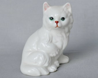 White Cat Figurine by Enesco 1983, Collectible Ceramic Cat Kitten with Long Hair