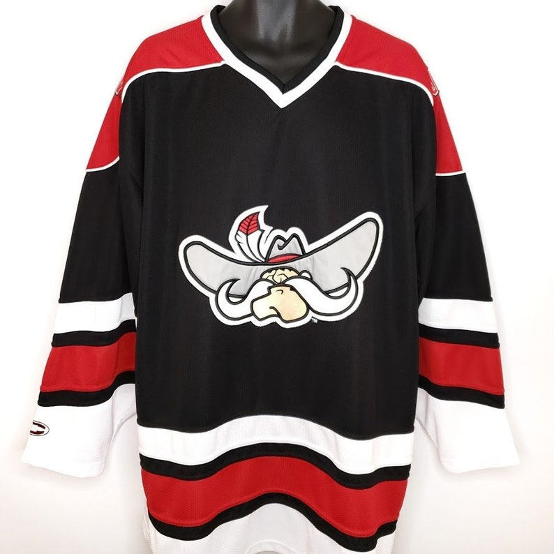 premium selection 5b7c3 827fe UNLV Skatin Rebels Hockey Jersey Vintage 90s Ice Hockey University Of  Nevada Las Vegas Mens Size XL