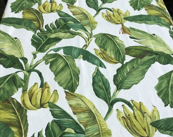 Table cloth (210 cm by 134 cm) tablecloth with leaves and bananas.