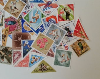 Triangle Stamps /Triangle & Diamond Stamps from Around the World/50 Stamps