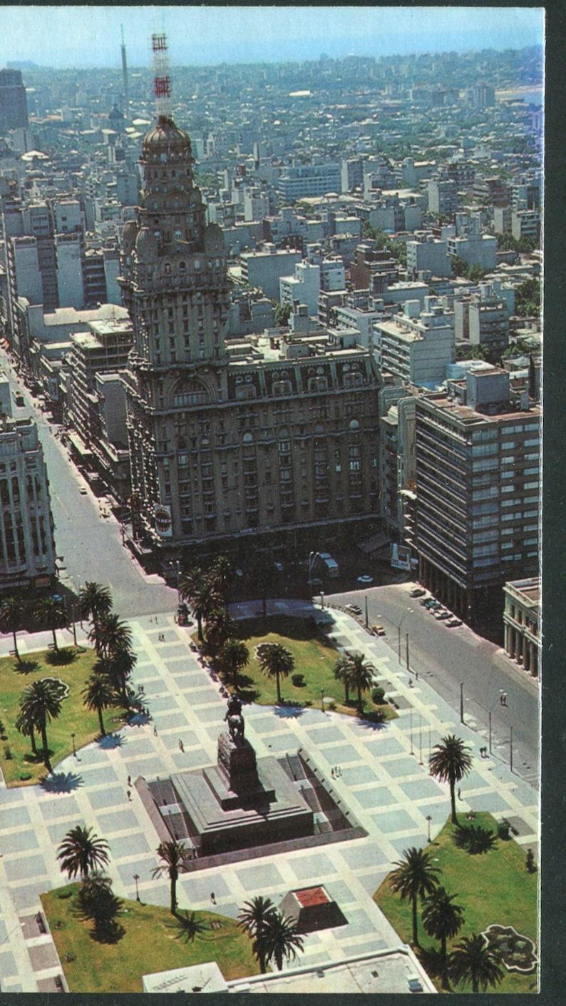 Uruguay Vintage Postcards   1 Unused Postcard Uruguay South AmericaIndependence Square /& 18th of July Avenue