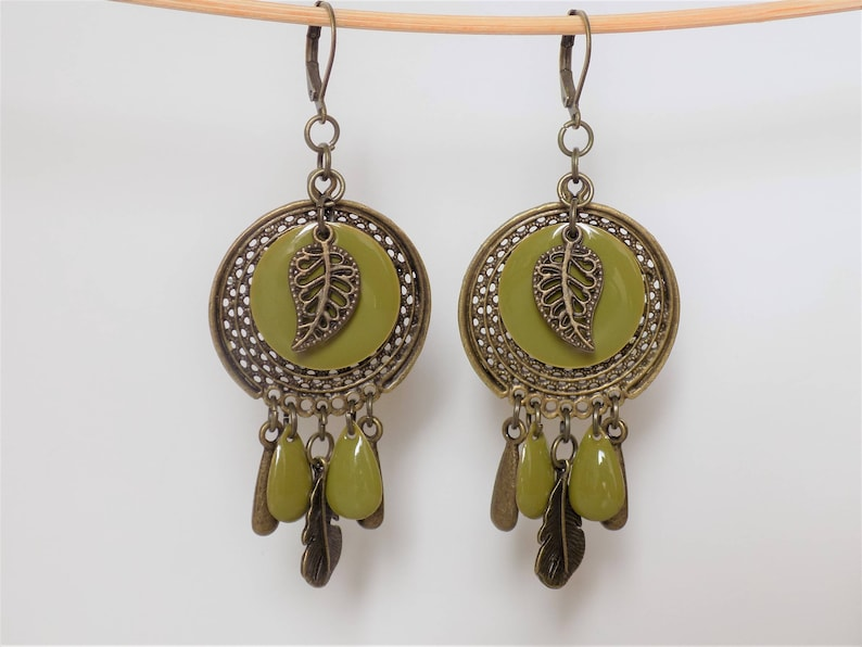 Boho Earrings with round sequins enamelled color green anis and tear drop shape and charms feather leaf and drop bronze designer jewelry