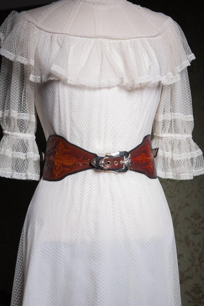 93a1d219248051 Taillengürtel Leder Einzelstück Art Deco Viktorianisch