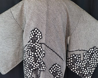 Unused Luxury Shibori Silk Haori, Vintage Japanese Kimono, Black & White Trees and Hills, Hand Sewn Woman's Jacket, Rare Size Medium / Large