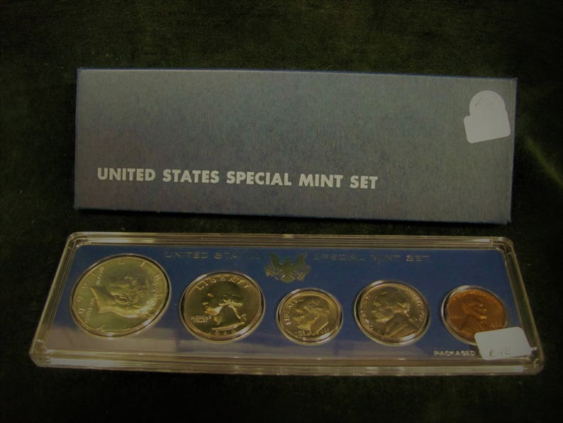 1968 P/&D United States 10 Coin BU Mint Set with 40/% Silver Half Dollar as Issued