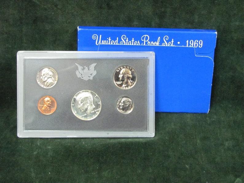 1969 U.S 10 coin set 40/% Silver Half Dollar Mint Set