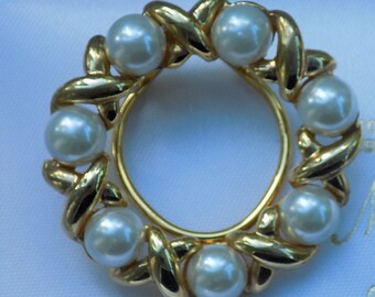 Vintage Gold Plated Pearl Bead Scarf Clip
