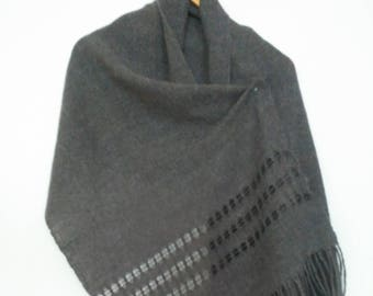 Handwoven handmade lino lace scarf shawl wrap