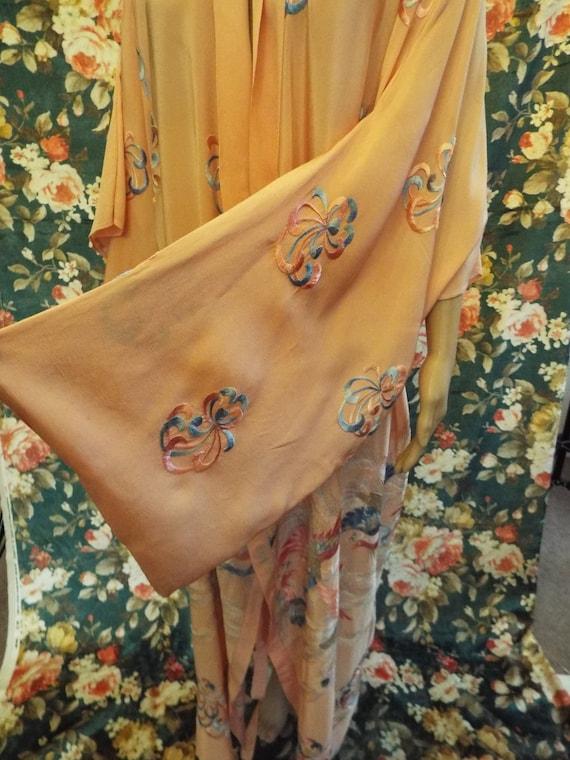 Vintage Embroidered Crepe Kimono~1930s Embroidere… - image 8