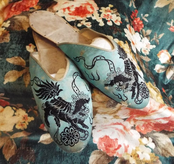 Antique Chinese Silk Slippers~1920s Chinese Silk S