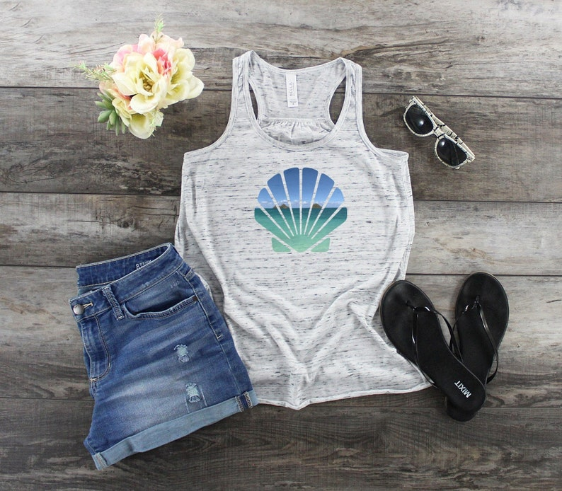 Mokulua Island Shirt  Hawaii Tank Top  Seashell Shirt  image 0