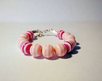 Pink and white round acrylic Bead Bracelet