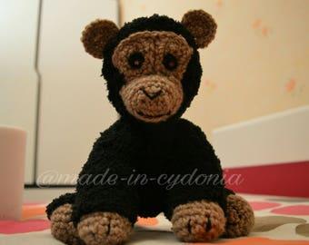 """Chimpanzee crochet  """"MALONEY CHIMP"""""""