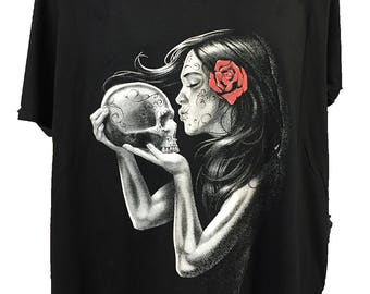 Gothic Girl Day Of The Dead SKull and  Red Rose Black Cotton T shirt New Womans Men's Unisex