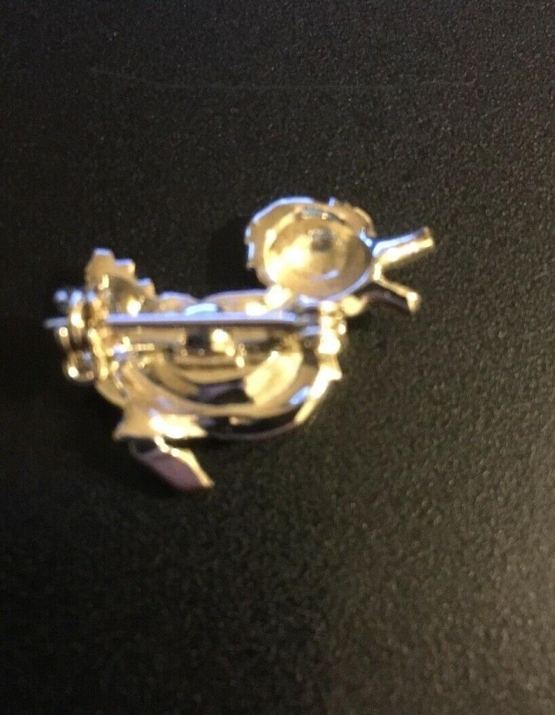 Vintage Pin Brooch Costume Jewelry Silvertone Duck Duckie 1
