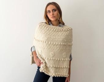 Wool knit cape for woman, winter bridal shrug, winter wedding shrug, boho poncho style, chic boho poncho, chunky knit poncho, wool cover up