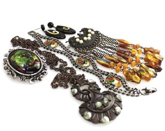 Just Job Lot Vintage Modern Jewellery Box Necklace Earrings Rings Brooches Modern Design Costume Jewellery