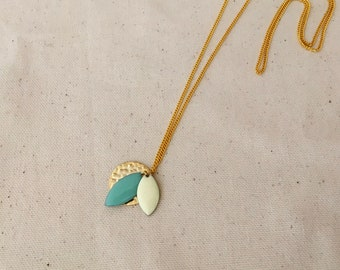 Mint pendant necklace & Cream / / CELESTE