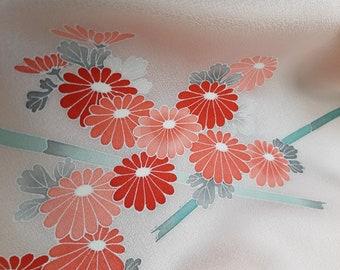 Kimonoseide, high-class, unprocessed, kiku, salmon-pink on delicate-rose, chrysanthemums, 12 m roll, yuzen technique, painted, f. dress, wedding