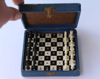 Soviet pocket chess Leningrad. traveling chess. Soviet road chess . Soviet traveling chess. Vintage chess. Soviet chess. traveling chess.