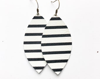 """The Adele (Single Layer, 2.5"""") in Black and White Stripe"""