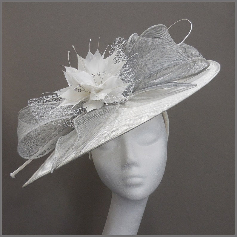 a29999ddf0f18 Royal Ascot headpiece white and grey disc hatinator saucer
