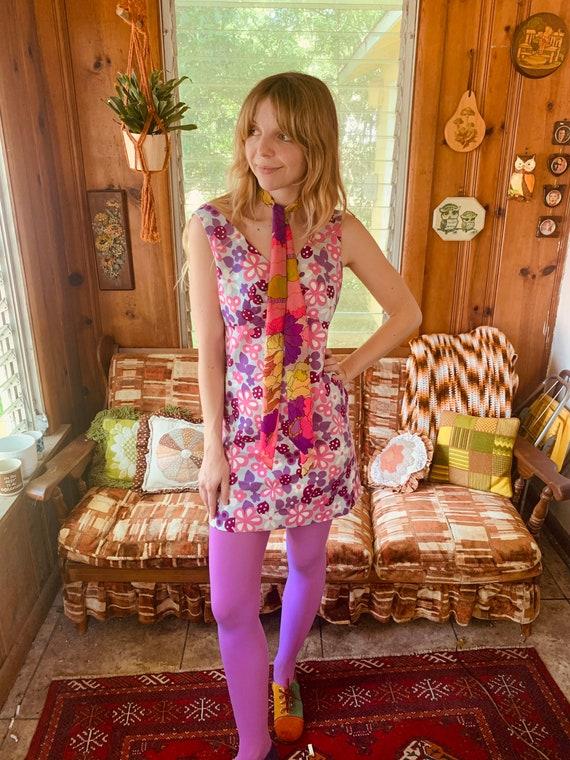 Flower power 60's mini dress