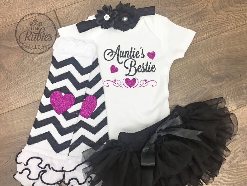 Aunt to be baby shower gift Baby girl outfit Newborn girl outfit Aunt baby shower gift Baby announcement New aunt gift Aunties Bestie outfit