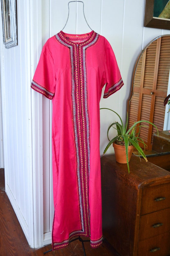Vintage embroidered kaftan/ embroidered maxi