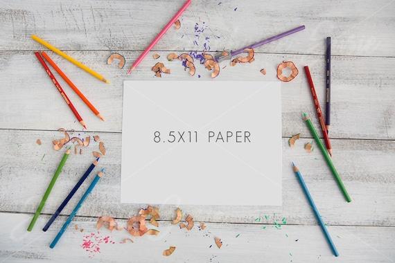Hoja de 12 x 12 para colorear con colores lápices estilo Lay