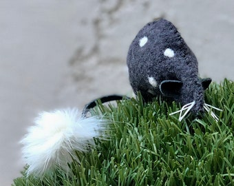 All Natural Catnip Mouse Cat Toy with Fur Tail