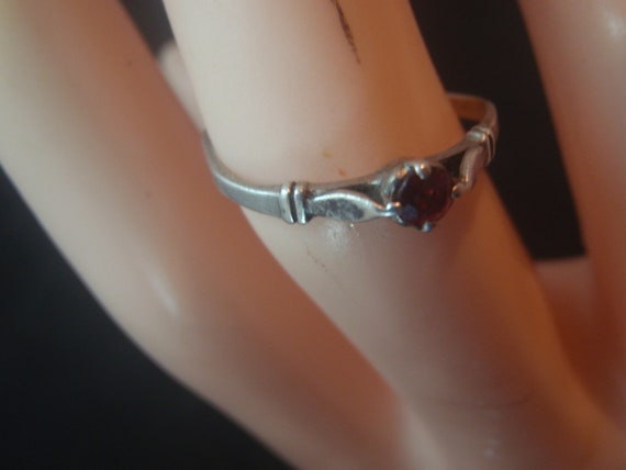 925 STERLING SILVER vintage  ring with ruby - image 4