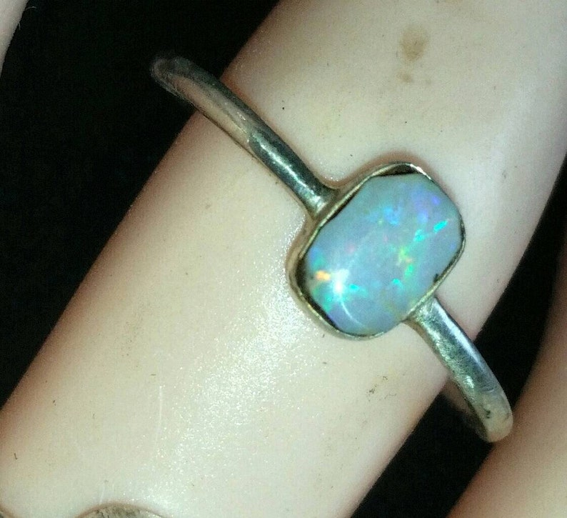 Multi colour flash Approx 2 carat set in sterling silver 925 band Australian solid Opal ring from lightening ridge