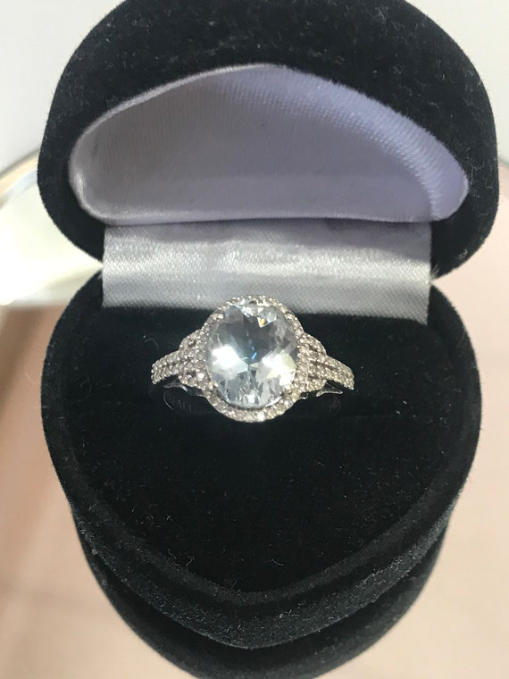 14KT White Gold Oval Aquamarine And Diamond Halo R