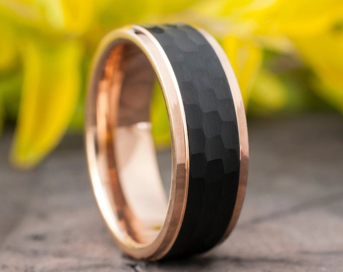 Rose Gold Tungsten Ring Black Hammered Brushed Wedding Band Men 8MM Sizes 5-14 Beveled Edges Male Elegant Anniversary Engagement Gift