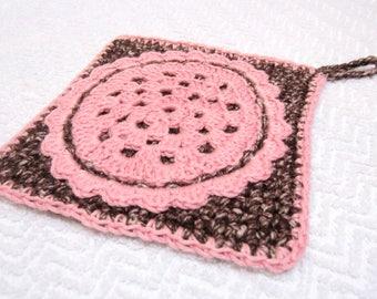 Dessous de plat ou manique au crochet