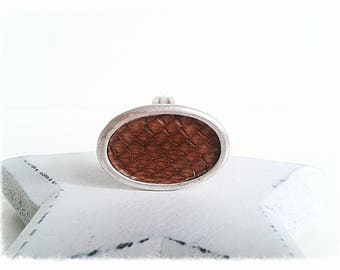 Ring engraved leather zamac.