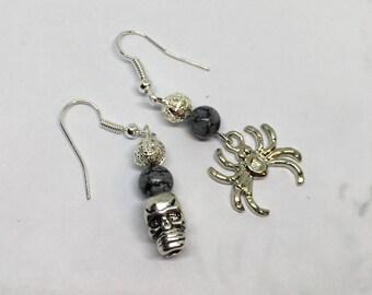 MissMatchedLove earrings - skull and spider