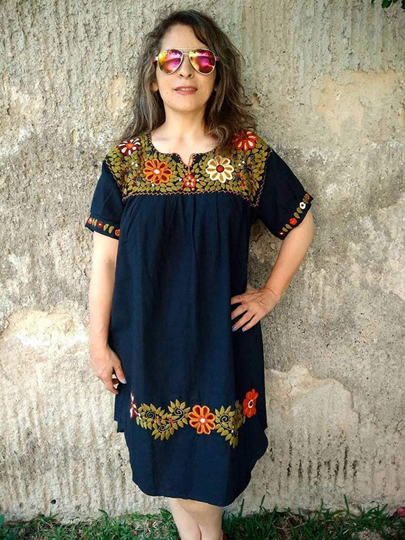 Boho blouse Mexican blouse Embroidered 2XL Bohemian fashion Traditional embroidered Frida style Peasant blouse Free shipping.