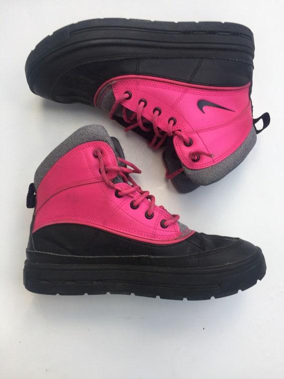 e9d956e56f76 Nike ACG boots kids youth hiking children pink black