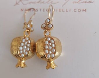 Spectacular pair of Melagrani earrings in Etruscan gold and white pearls