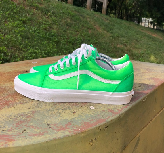 Color Changing Old Skool Vans (Green to Yellow)