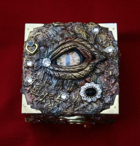 Jewellery Keepsake or Memory Box Dragon/'s Eye Trinket Box Fantasy Art with Cameo and Hidden Skull