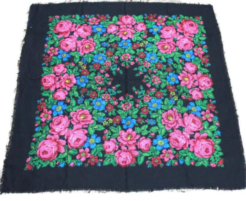 851542d1b1 Vintage Soviet woolen shawl . Ladies' Ukrainian black and | Etsy