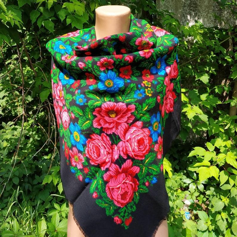 3568d7f499 Vintage Soviet woolen shawl . Ladies Ukrainian black and red | Etsy